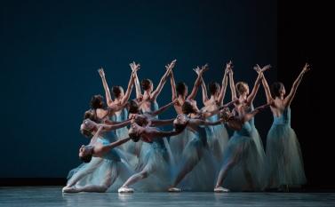 Miami City Ballet Company Dancers. Serenade, 2015. Courtesy of Daniel Azoulay.
